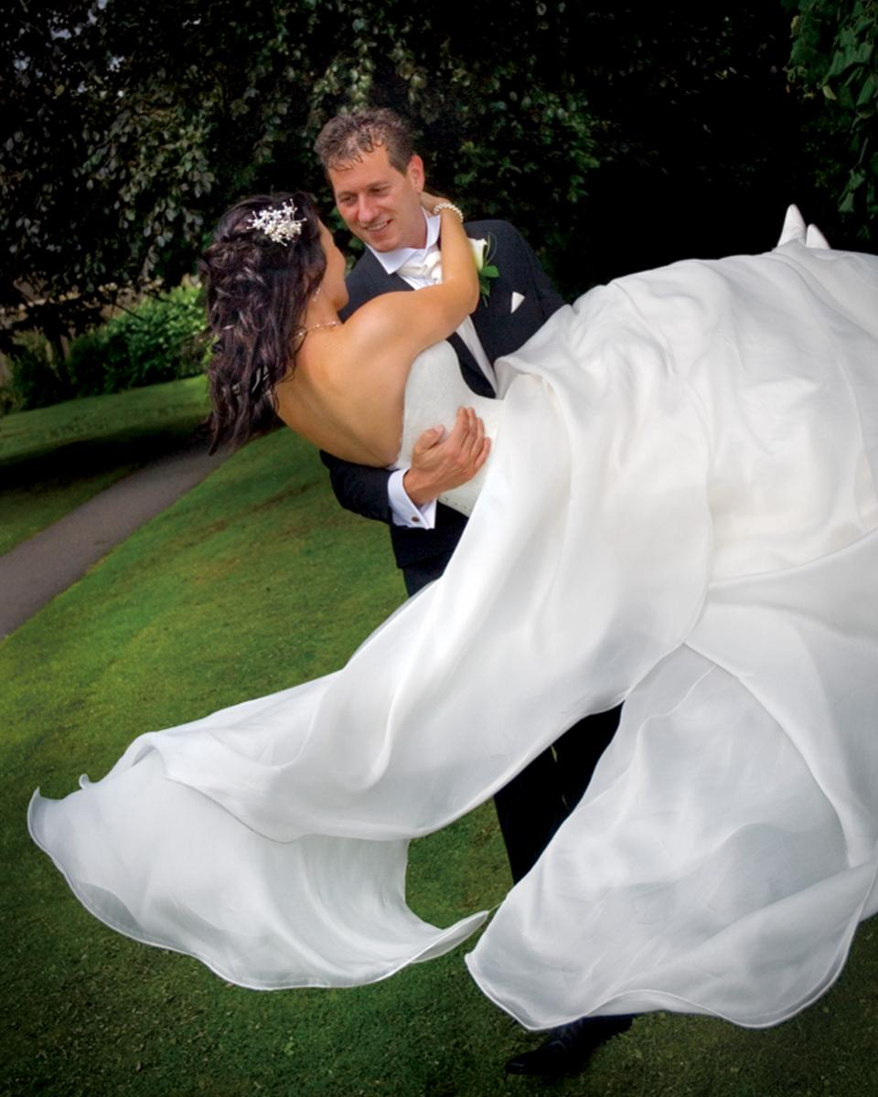 Bride & Groom, Bear Hotel, Cowbridge wedding photographer.