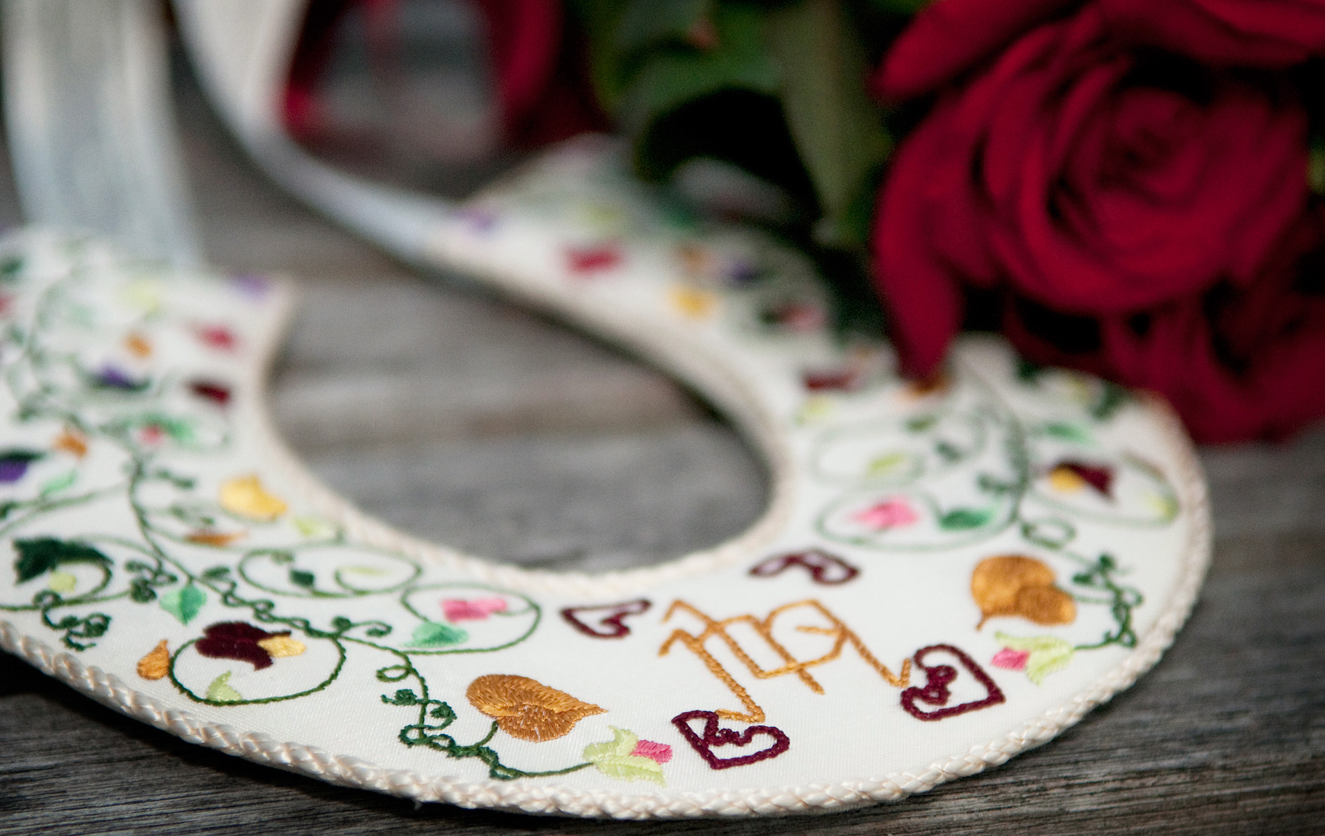 embroidered-lucky-horseshoe-Bryngarw-house-wedding photography