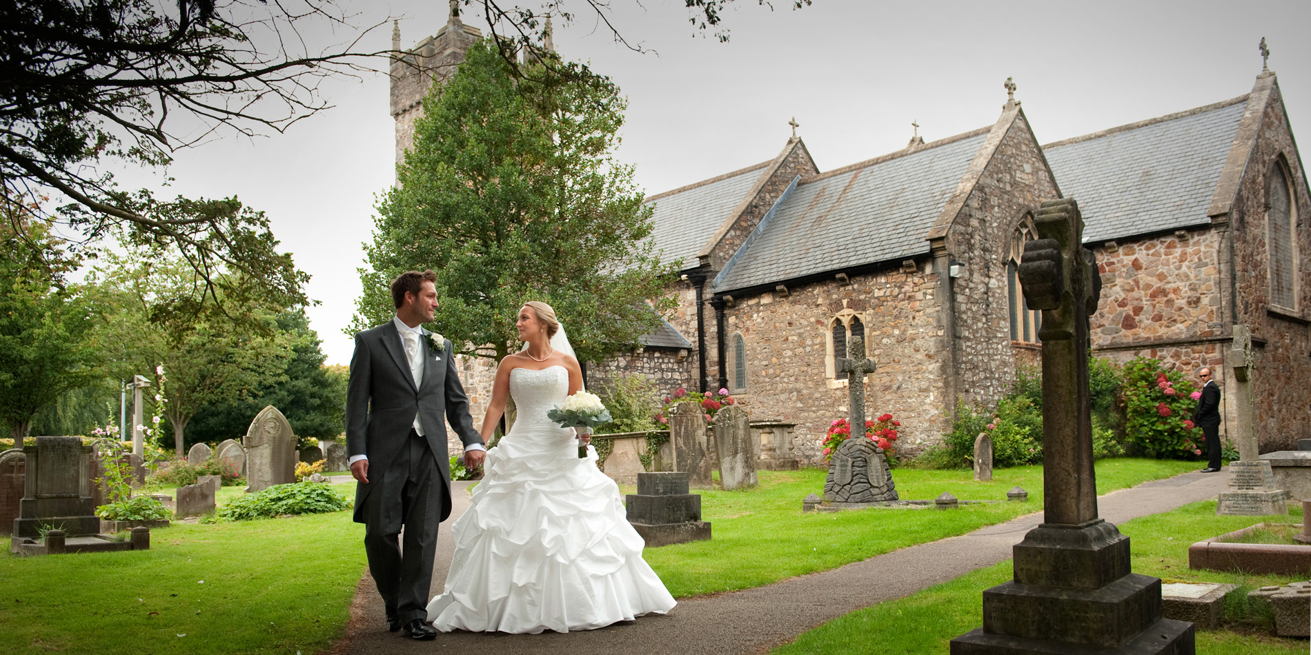 Cardiff-wedding-photographer-Bride-and-Groom-Llanishen-wedding-photographer