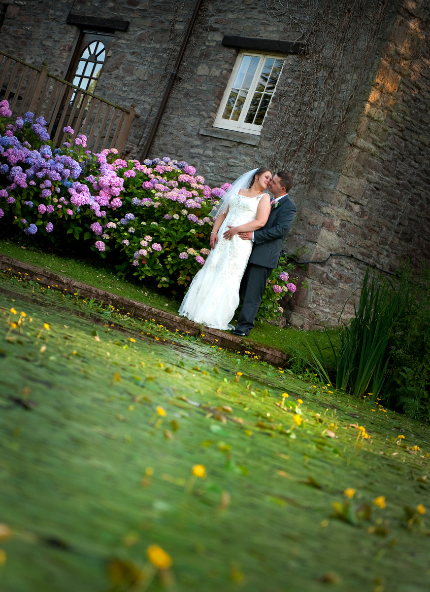 Cwrt-Bleddyn-hotel-wedding-photographer-bride-groom-lillyponds-south-wales-wedding-photography